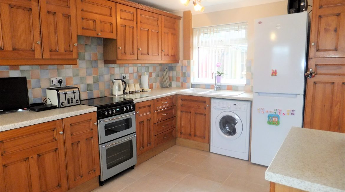 55 Park Hall Road – Dining Kitchen (2)