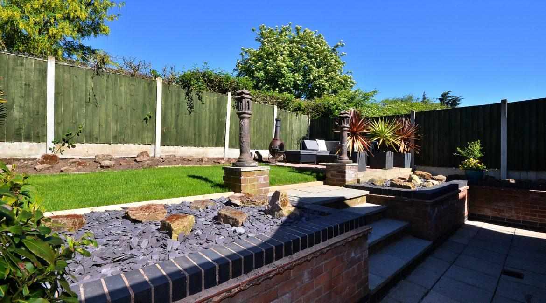 11 Kempton Road – Garden