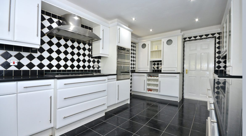 11 Kempton Road – Kitchen 1