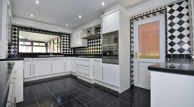 11 Kempton Road – Kitchen 2