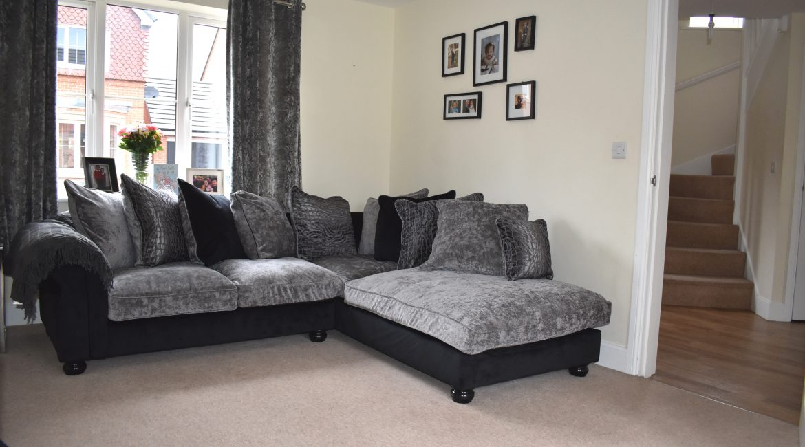 11 Manor House Court – Lounge New 4