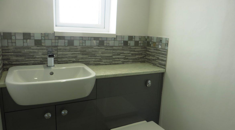 37 Church Street – Bathroom (1)