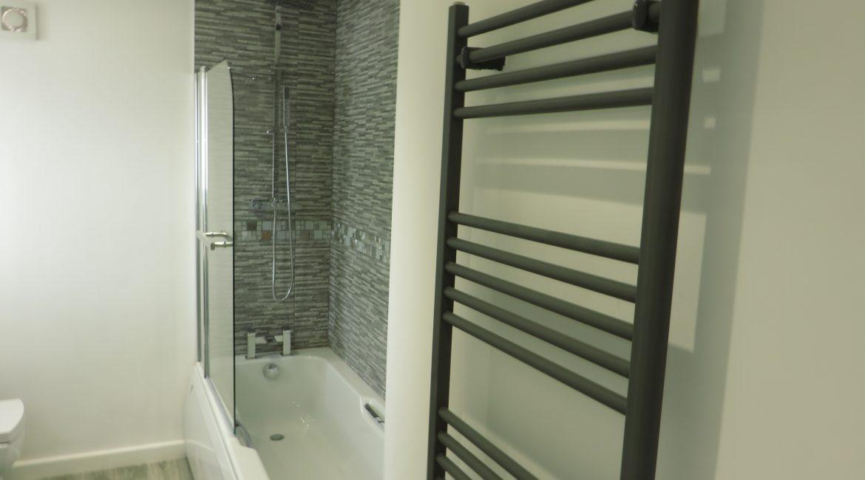 37 Church Street – Bathroom (2)