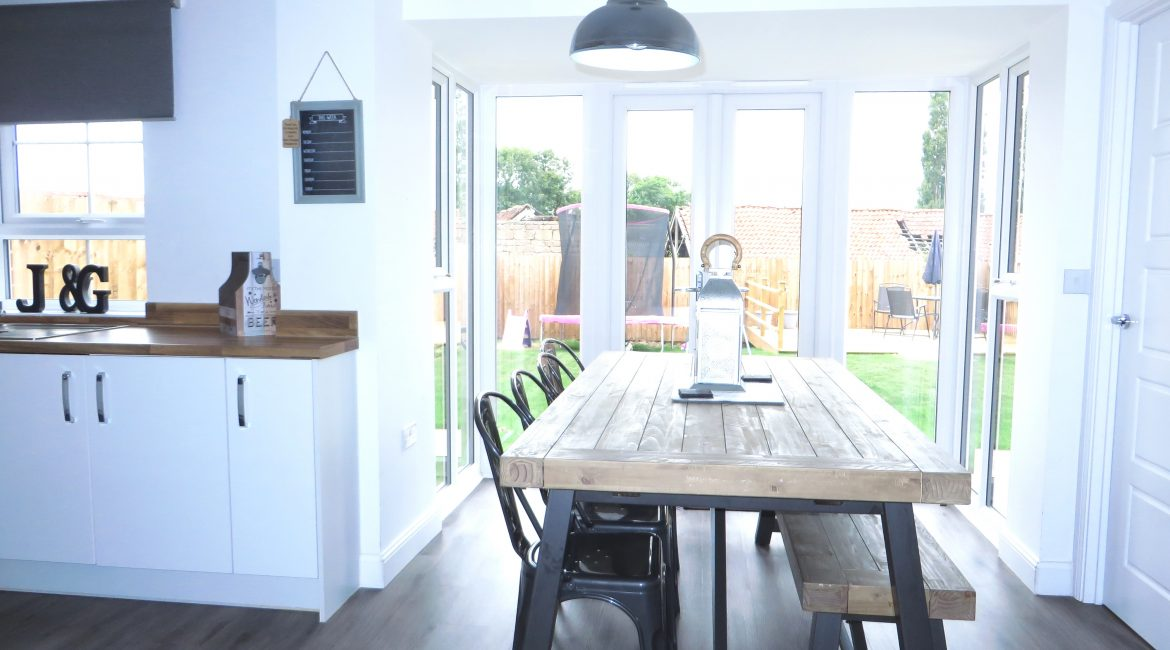 11 Piccadilly Close – Dining Area