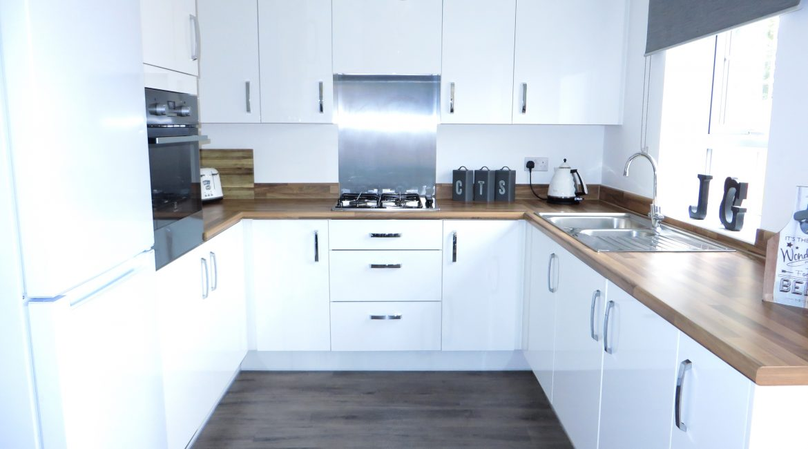 11 Piccadilly Close – Kitchen