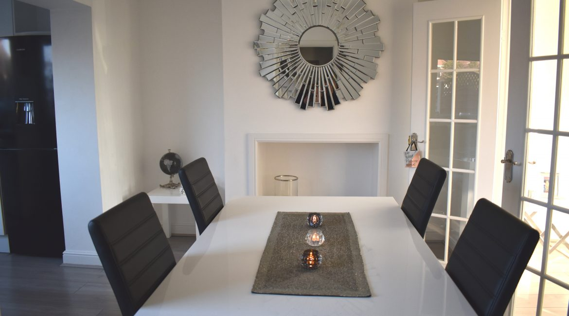322 Chesterfield Road North – Dining Room 2