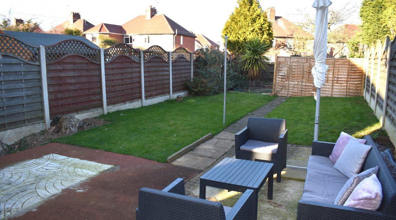 322 Chesterfield Road North – Garden 1
