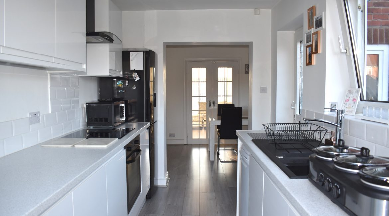 322 Chesterfield Road North – Kitchen 2