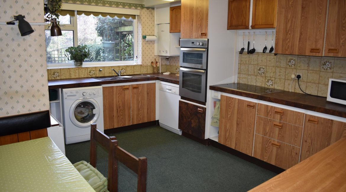 37 Holly Road – Kitchen