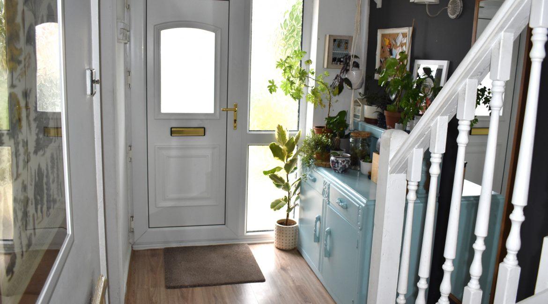 2 Chestnut Drive – Hallway