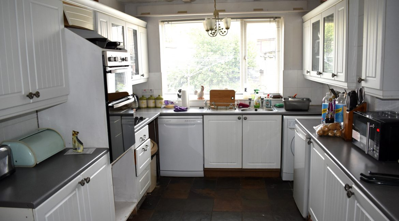 4 Upton Mount – Kitchen