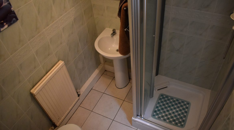 27 Wharmby Avenue – Shower Room