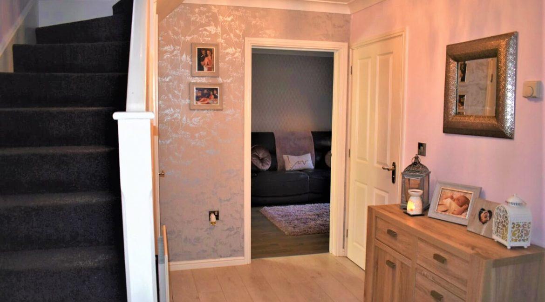 31 Broadlands Close – Hallway