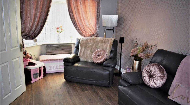 31 Broadlands Close – Lounge One