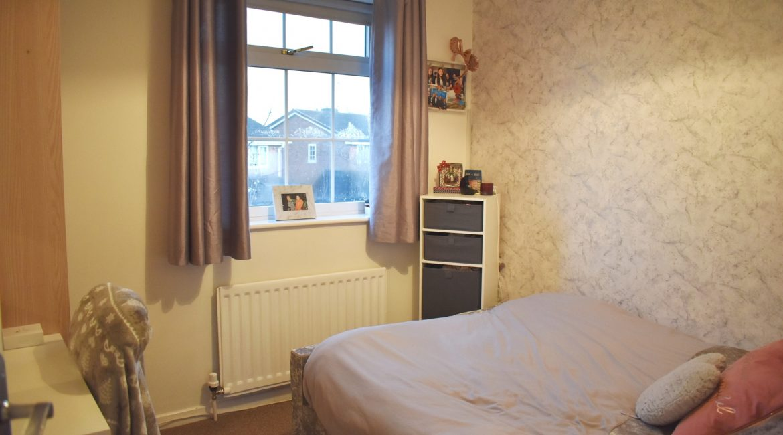 7 Goldfinch – Bedroom One (2)