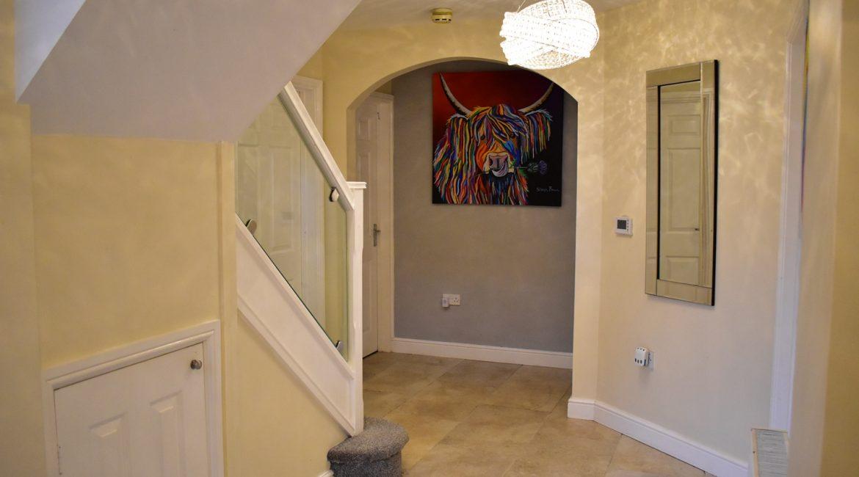 5 Juniper Close – Hallway (2)