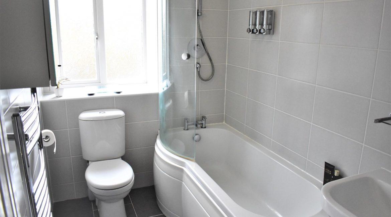 8 Marley Bank – Bathroom (1)