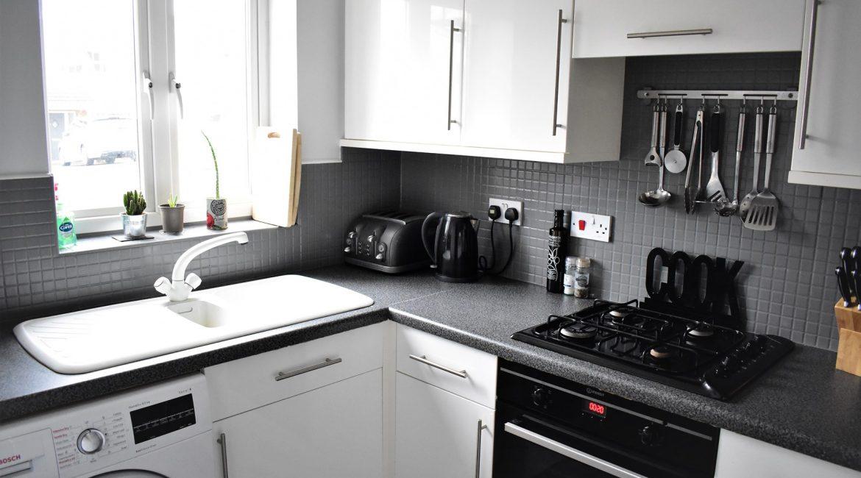 8 Marley Bank – Kitchen (2)