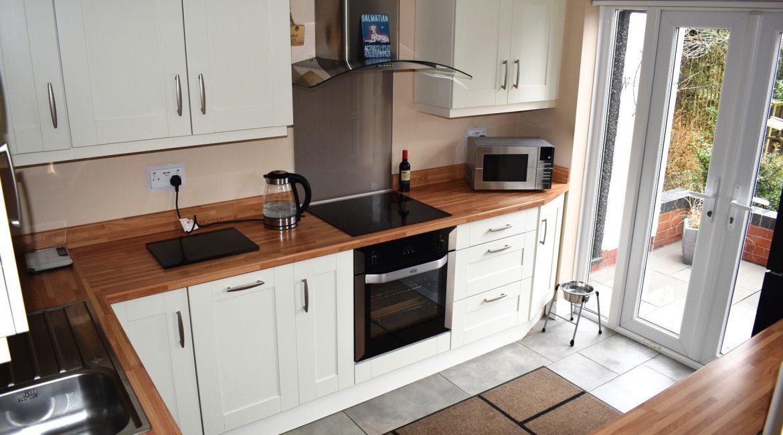 16 Beech Hill Crescent – Kitchen