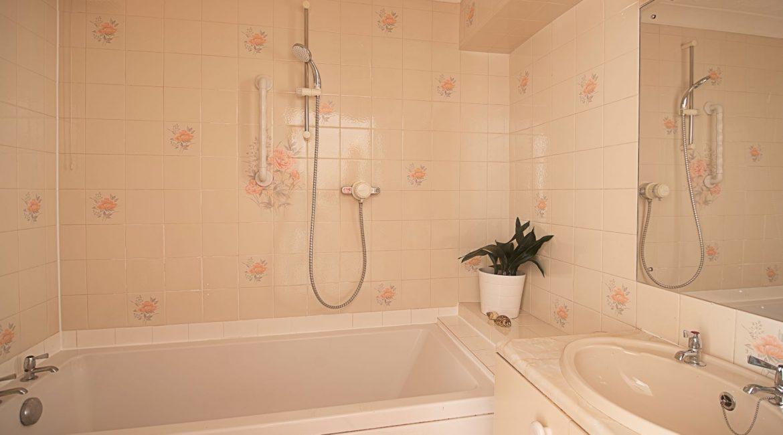 bathroom-3653